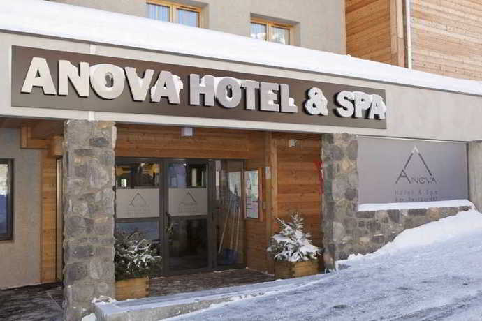 Hotel Anova and Spa