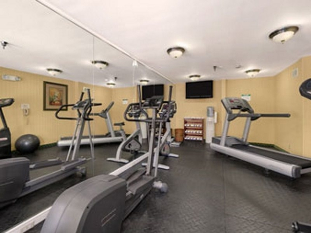 Hotel Baymont Inn and Suites Gainesville