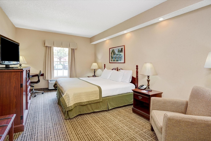 Hotel Baymont Inn and Suites Jacksonville