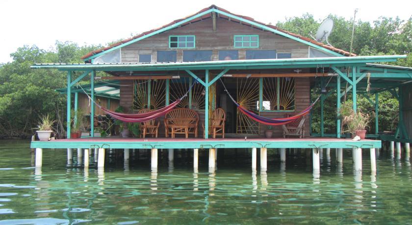 Hotel Casa de Bambu