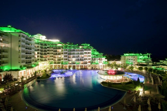 Hotel Emerald Beach Resort & Spa