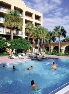 Hotel FL Hotel & Suites