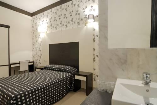 Hotel Hostal Alhambra Suites