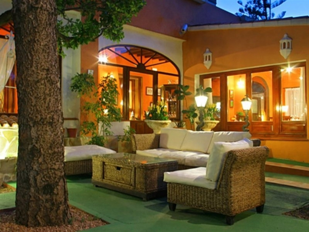 Hotel LA RACONA