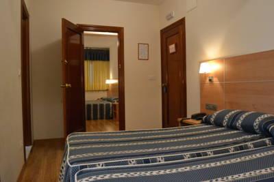 Hotel MARQUESES DE VALBUENA