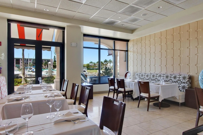 Hotel Naples Bay Resort
