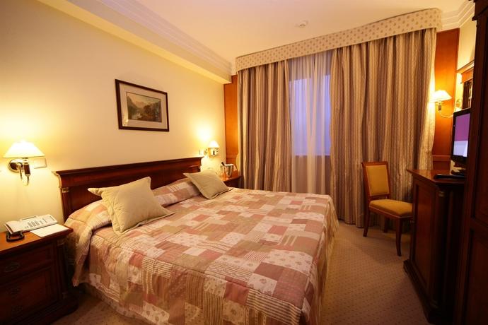 Hotel Peak Hotel