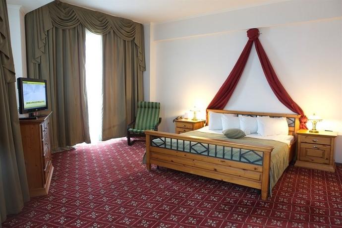 Hotel Phoenicia Grand Hotel
