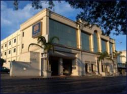 Hotel Plaza De Oro
