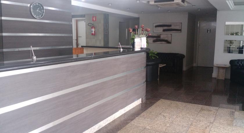 Hotel Plaza Suite