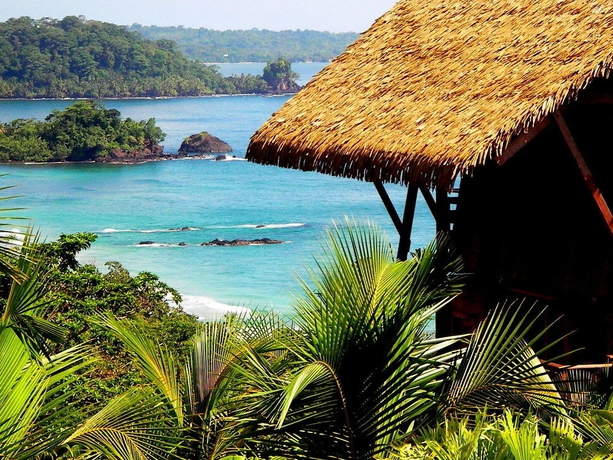 Hotel Red Frog Beach Resort
