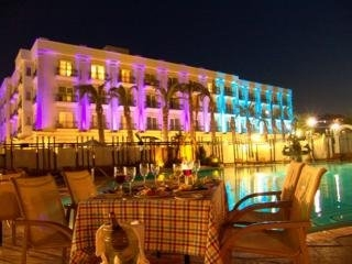 Hotel Rocks Hotel & Casino