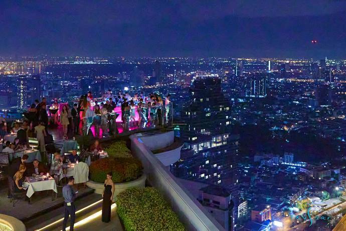 Hotel Tower Club at Lebua
