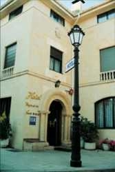 Hotel Virgen De Las Naves
