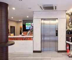 Hotel Check Inn Phromphong
