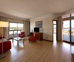 Hotel Geranios Suites