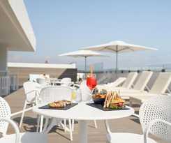 Hotel  y Apartamentos El Puerto
