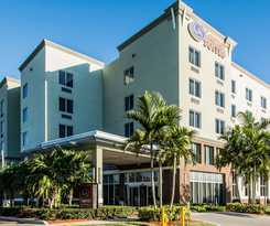 Hotel Comfort Suites Miami Airport North