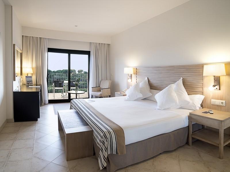 Hotel barcelo punta umbria beach resort barat simo for Descripcion de habitaciones de un hotel