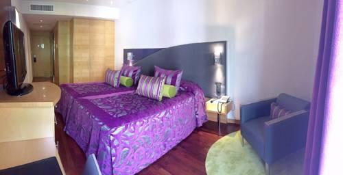 Habitación doble dos camas separadas del hotel Sansi Diputació. Foto 2