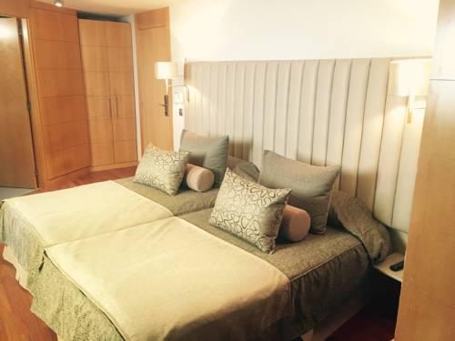 Habitación doble dos camas separadas del hotel Sansi Diputació. Foto 3