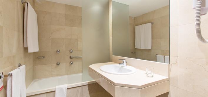 Habitación Doble XL del hotel Expo Barcelona. Foto 1