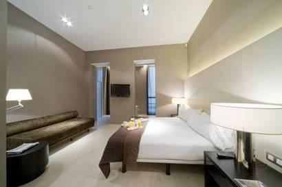 Habitación familiar  del hotel Actual. Foto 2