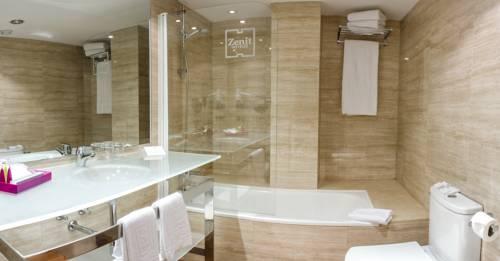 Habitación doble dos camas separadas del hotel Zenit Barcelona. Foto 1