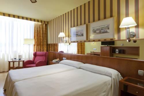 Habitación doble dos camas separadas del hotel Spa Senator Barcelona. Foto 2