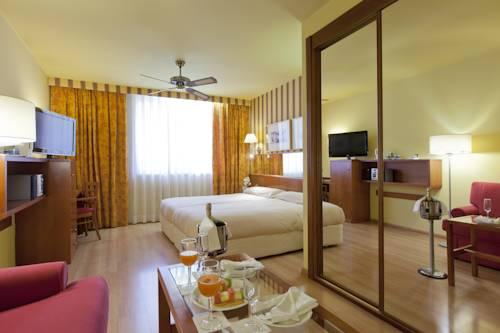 Habitación familiar  del hotel Spa Senator Barcelona. Foto 3