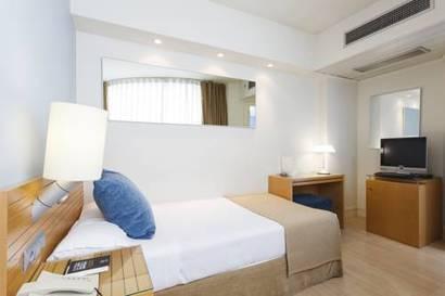 Habitación individual  del hotel Vincci Puerto Chico. Foto 1