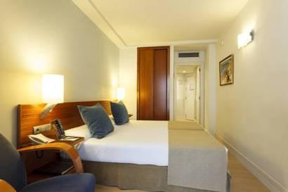 Habitación doble Económica del hotel Vincci Puerto Chico. Foto 1