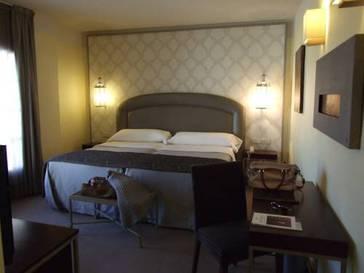 Habitación doble  del hotel Maciá Alfaros. Foto 2