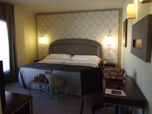 Habitación doble Terraza del hotel Maciá Alfaros. Foto 2