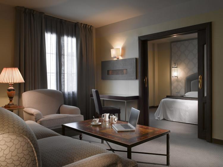 Junior suite  del hotel Maciá Alfaros. Foto 1