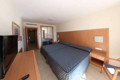 Habitación doble dos camas separadas del hotel Neptuno. Foto 3