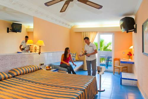 Habitación doble  del hotel Diverhotel Roquetas