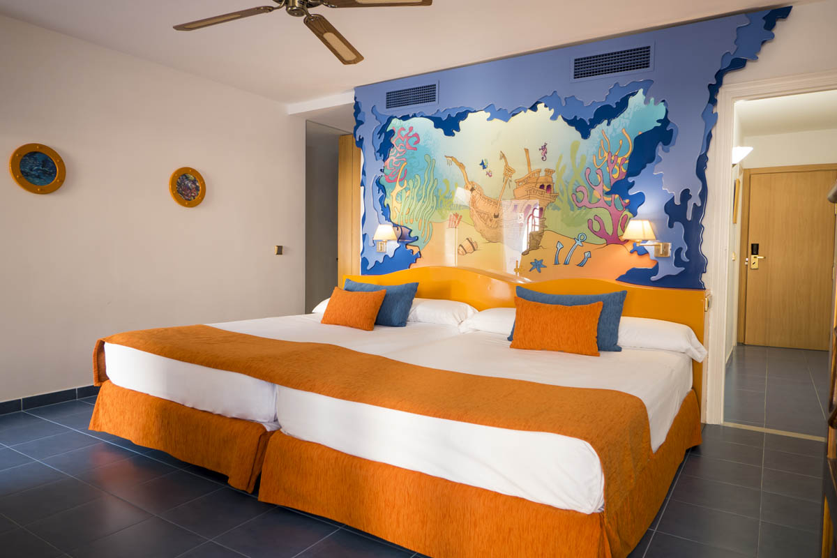 Habitación doble Temática del hotel Diverhotel Roquetas. Foto 2