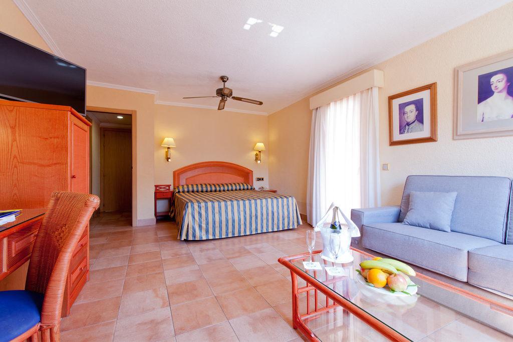 Habitación doble Jardin Privado Superior del hotel Diverhotel Roquetas