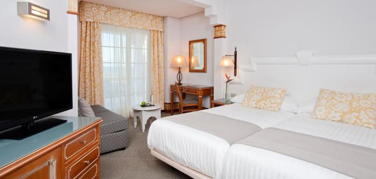 Habitación doble Familiar dos camas separadas del hotel Meliá Atlántico Isla Canela