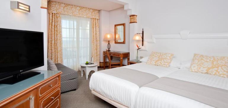 Habitación doble Premium dos camas separadas del hotel Meliá Atlántico Isla Canela