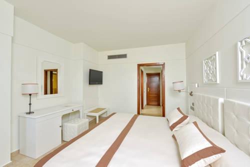 Habitación doble Vista Lateral Mar del hotel Iberostar Isla Canela. Foto 1