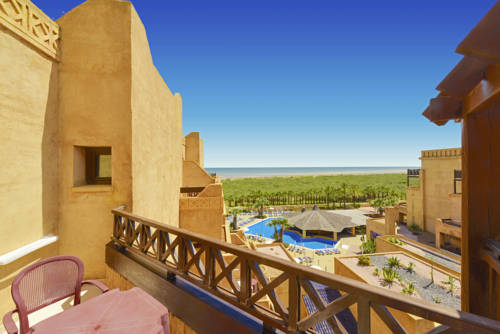 Habitación doble Vista Lateral Mar del hotel Iberostar Isla Canela. Foto 2