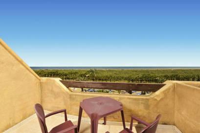 Habitación doble Vista Mar dos camas separadas del hotel Iberostar Isla Canela. Foto 2