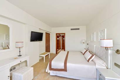 Habitación familiar  del hotel Iberostar Isla Canela. Foto 2
