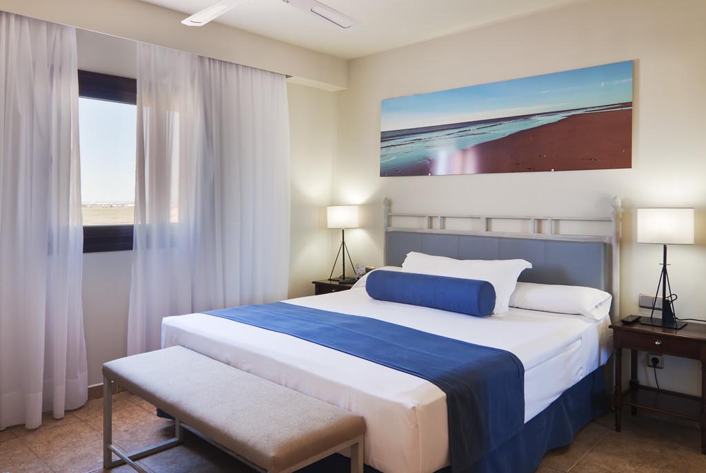 Habitación doble Superior con salón del hotel Playacanela