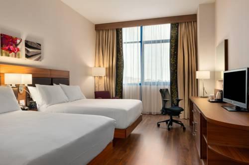 Habitación Familiar dos camas de matrimonio del hotel Hilton Garden Inn Sevilla