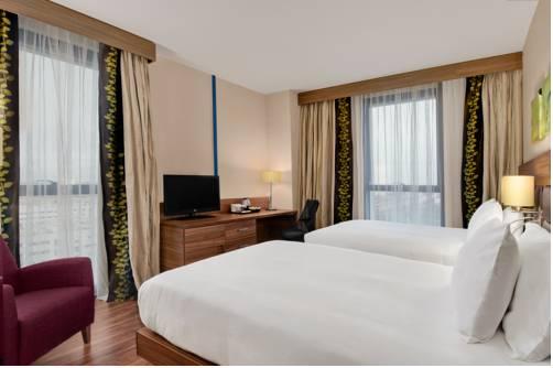 Habitación doble dos camas separadas del hotel Hilton Garden Inn Sevilla