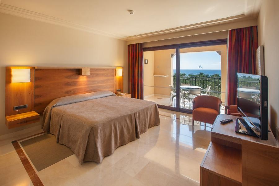 Suite Senior del hotel Lopesan Costa Meloneras Resort, Spa and Casino. Foto 2