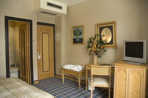 Habitación familiar  del hotel Macia Condor. Foto 1